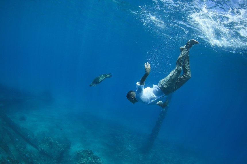 lr-underwater-45